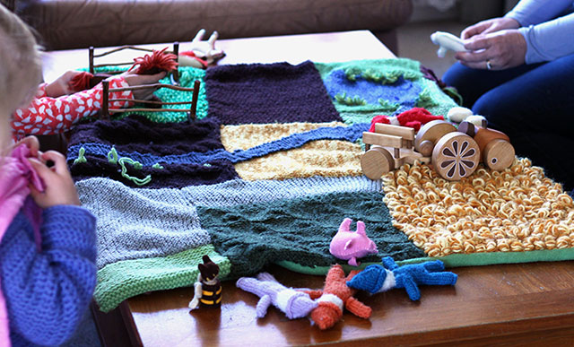 knitted farm1