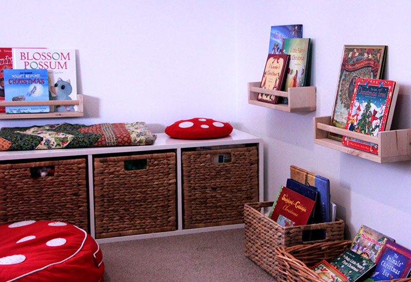 Christmas book nook