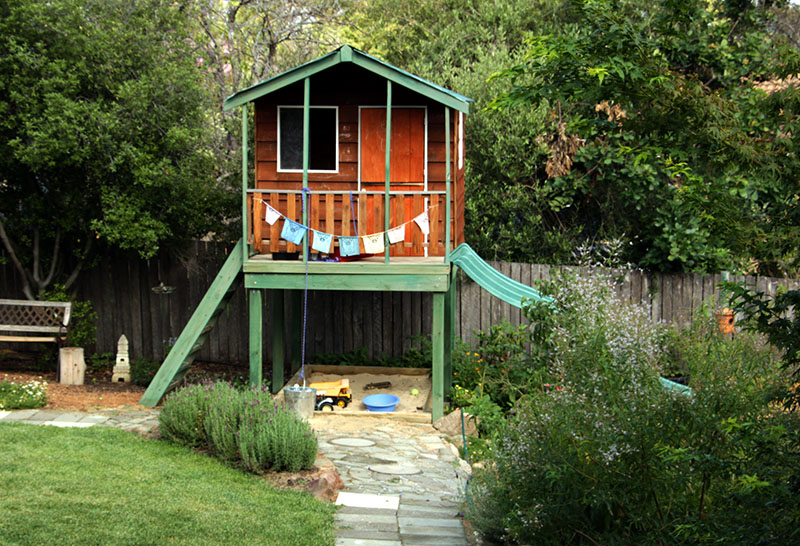 summer garden cubby house