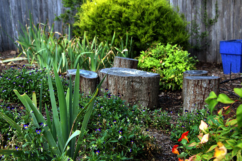 summer garden stump stool table
