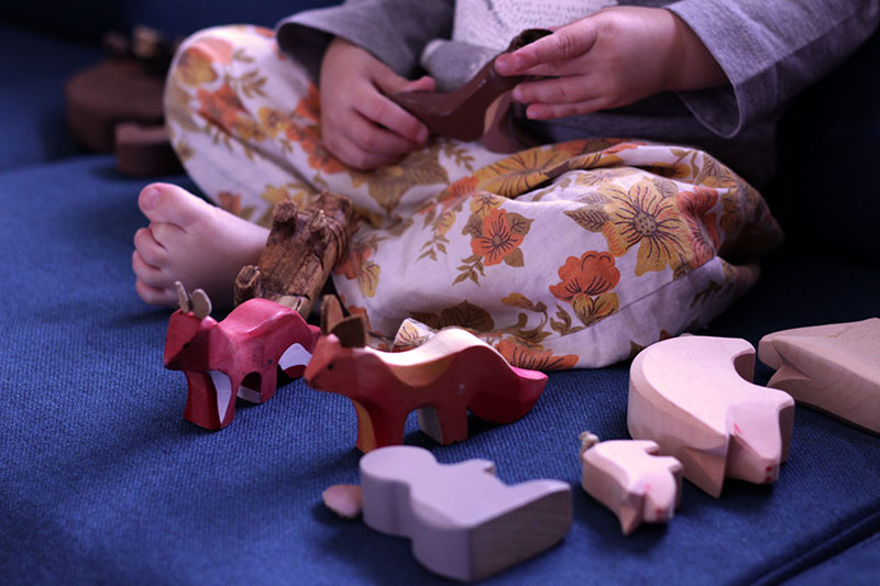 screen free wooden toys