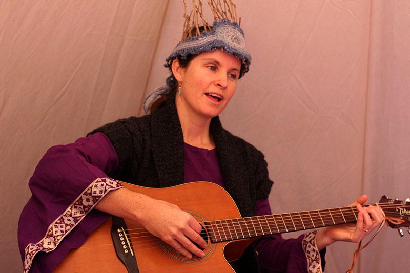 Annie singing
